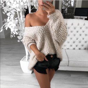 Cuddles sweater in Oatmeal sz L